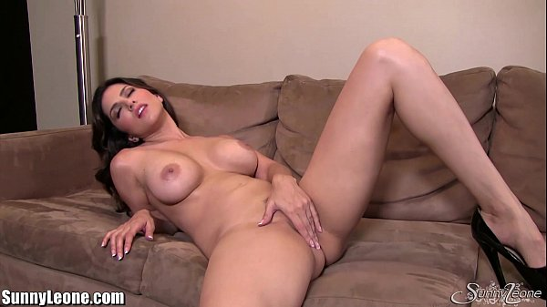 SunnyLeone Sunny Leone all alone at home fingering! Thumb