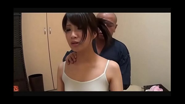 STUNNING JAPANESE GET A PUSSY MASSAGE WITH DILDO ||  WATCH FULL LENGTH VIDEO =►https://ouo.io/muWpcQ