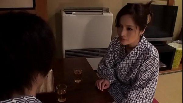 366หนังโป๊เต็มเรื่องแนวแม่บ้านสาวใหญ่xxx Mother/ Son Fucking [Nikko Road] Izumi Terasaki