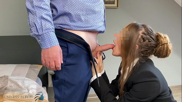 secretary gets face fuck and deepthroat