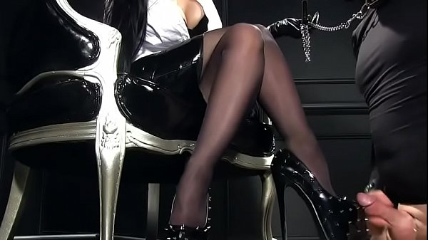 Cumshot heels
