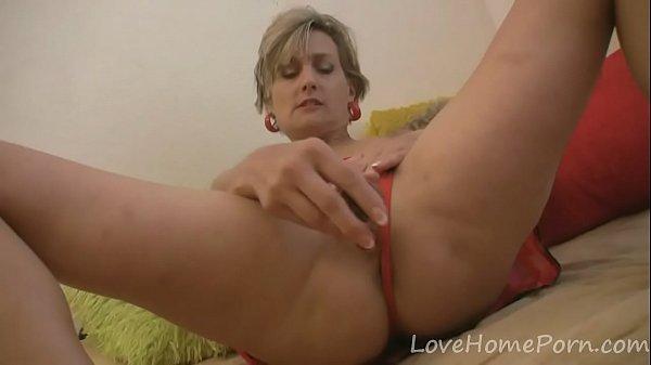 Blonde milf loves her new sex toy