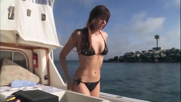 Super Shark:  Sexy Bikini Girl Thumb