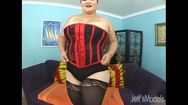 Asian Kelly Shibari gets her fat pussy filled w...