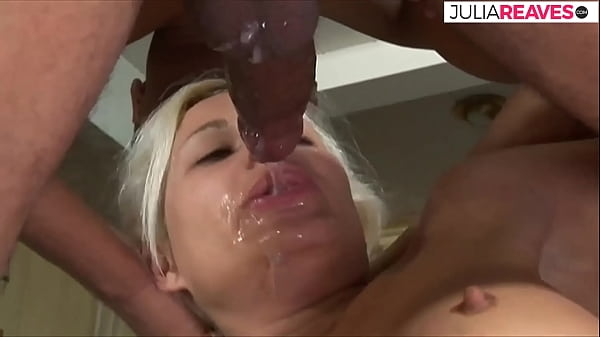 So much juice comes in her mouth, the sperm runs everywhere