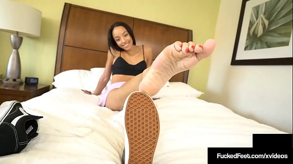 Footjob Ends In Cum Over Her Feet! Young Alexis Tae Is A Cock Milker!