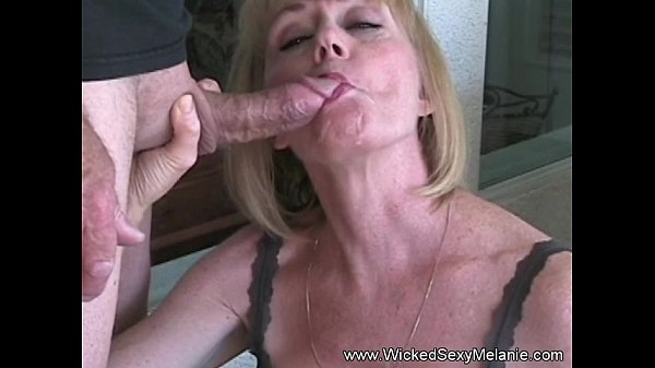 Amateur GILF Plays With Granny Pussy