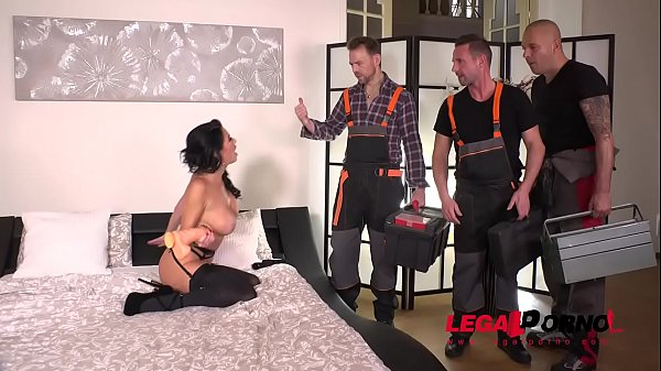 Luxury Sex addict Veronica Avluv gets a Double anal Gangbang for Dinner FS036 Thumb