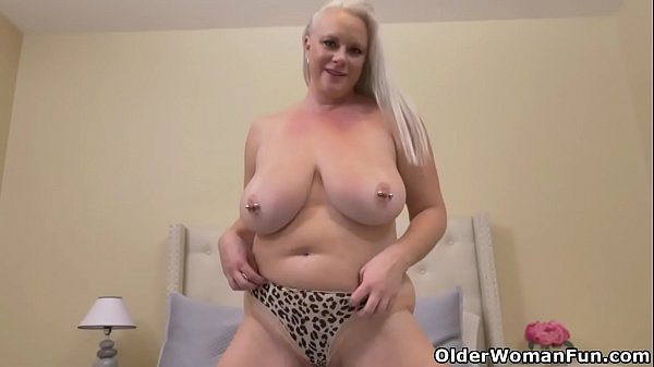 Big boobed milf Cameron Skye takes matters into her own hands