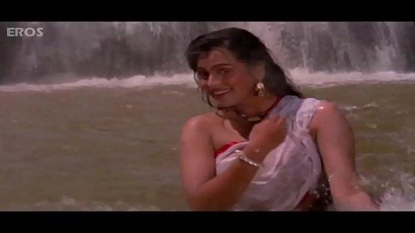 Padmini Kolhapure - hot Video
