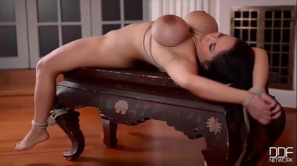 Luxury Dominatrix Ally Breelson Fucks Anita B's Asshole