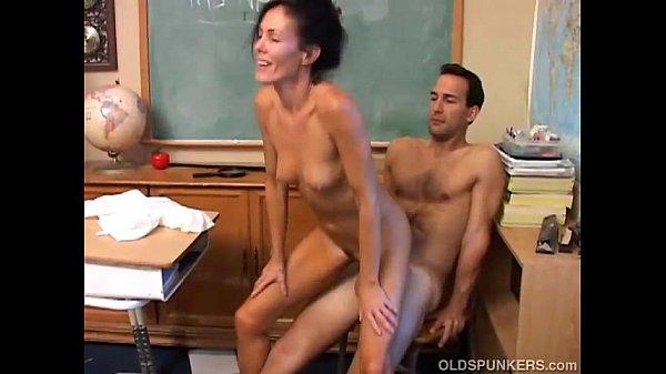 Sexy MILF Nancy Vee loves to fuck