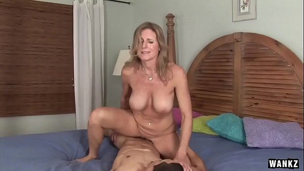WANKZ- Cougar Jade Jamison Loves Her Warm Facial Thumb