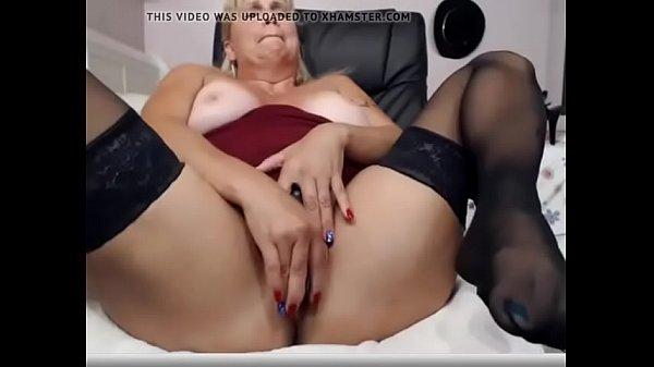 milf lady on cam