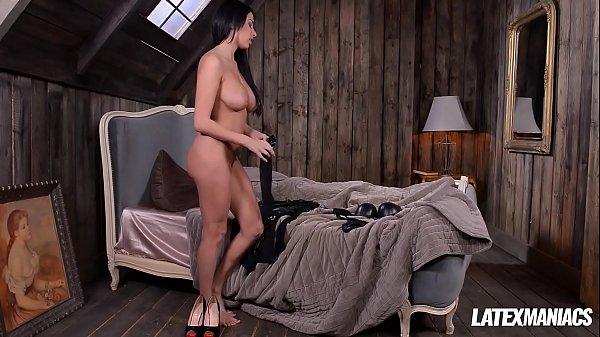 Latex Dominatrix Anissa Kate Slaps & Sucks Dick...