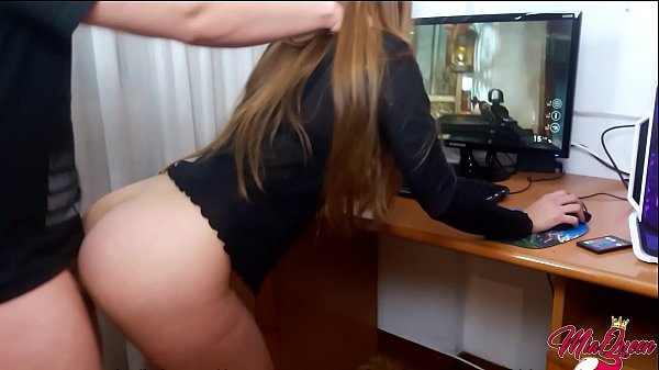 Petite latina fucked while plays call of duty i...
