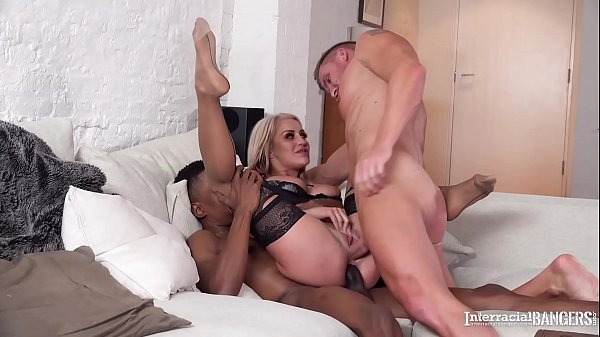 Interracial bangers crave Milf Sienna Day's pussy & ass crammed with cocks