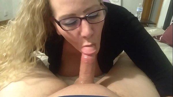 סרטי סקס Curvy MILF and her boyfriend's big cock