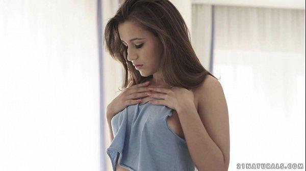 Cindy Loarn loves sensual anal fuck