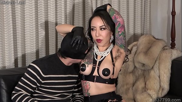 Japanese Femdom Youko Armpit Sniffing and Slave Drinking Her Saliva