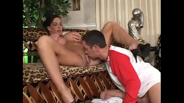 Brunette hottie Holly Body eats cum after sucki...