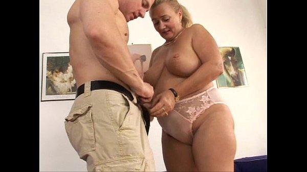 Mature grandame need sex