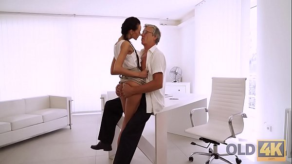OLD4K. The workday is over so secretary and her employer can fuck
