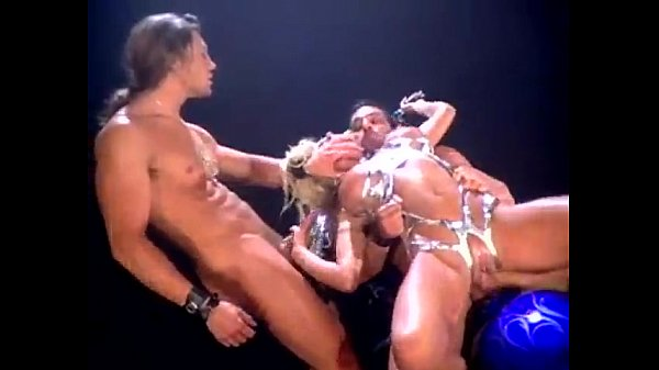 Gina Mond 3some out of Sinema
