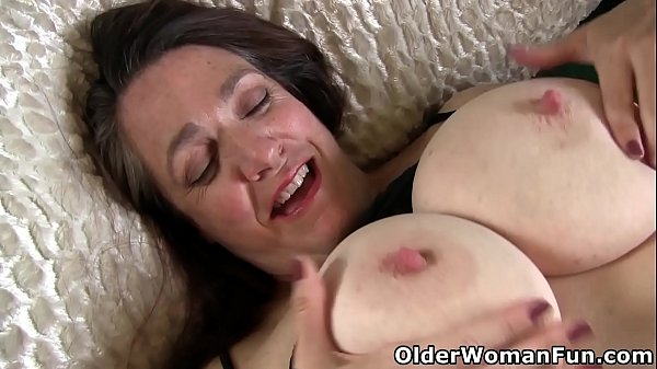 BBW gilf Lisa from the US craves a long lasting orgasm