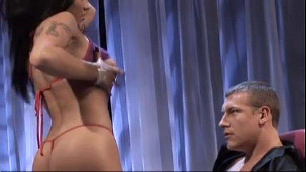 Jenanave Jolie teaching the tricks