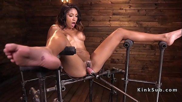Long legged Latina babe on fucking machine