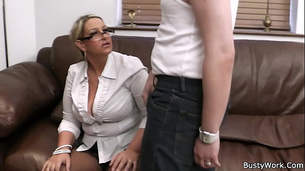 Working woman getting her pussy licked and fucked