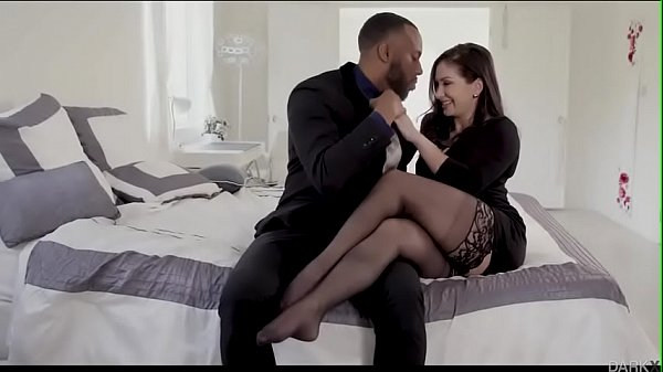 lea-lexis-loves-the-thickness-of-black-monster-cock