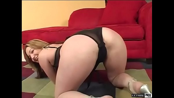 Britni BLVD is a sexy PAWG that loves the penis