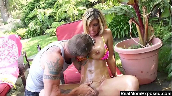 RealMomExposed - Kristal Summer just gets too h...