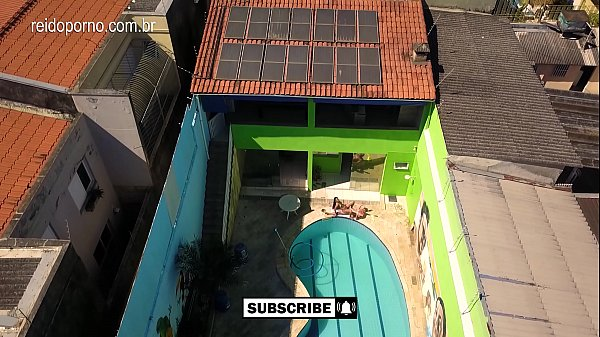 Incredible video of DRONE in São Paulo that catches couple fucking by the pool Thumb