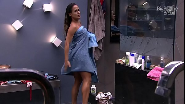 Carol Peixinho Pagando Peitinho No BBB 19