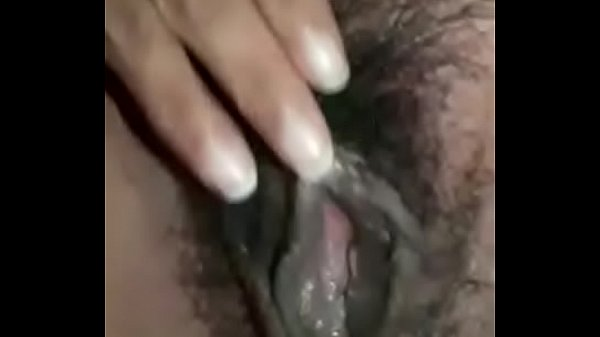 PUPUSOTA PELUDA Y MOJADA. HAIRY AND WET PUSSY
