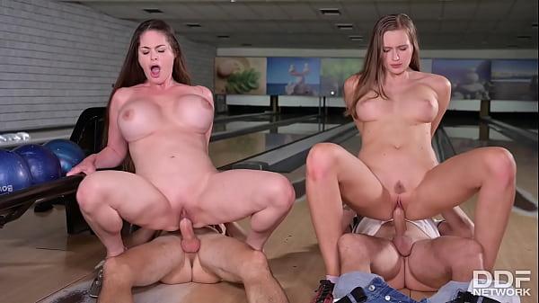 A Kinky Couples' Orgy Thumb