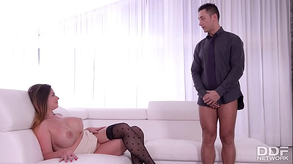 Rich Milf Cathy Heaven seduces her Bodyguard in...