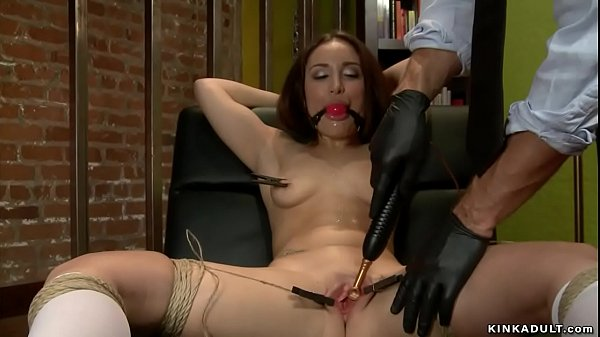 Campus girl anal toyed by therapist Thumb