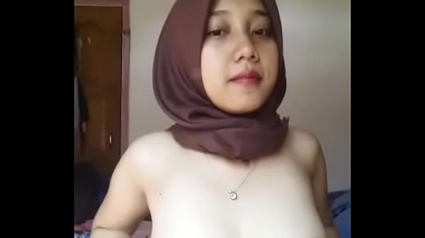 Indonesian Malay Hijabi Horny 01