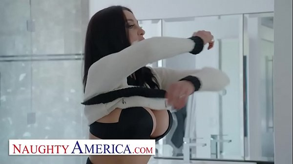 Naughty America - Audrey Bitoni lets her husban...