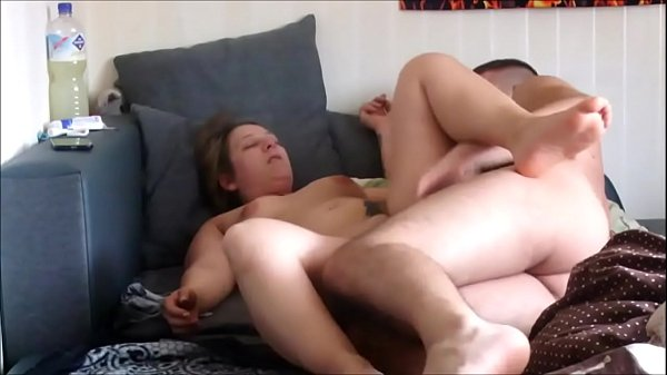While my father is at work, I fuck my mature stepmother, this milfo allows me to cum in her wet pussy, I love my stepmother