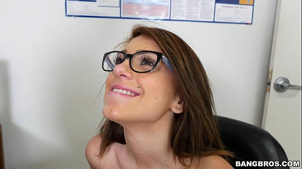 Amateur Glasses Teen with Nice Tits Thumb