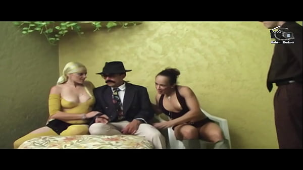 Dom Pirocone The biggest dick of the National Porn breaks the two bitches. Production and Camera Rubens Badaró (((complete in Xvideos Red)))
