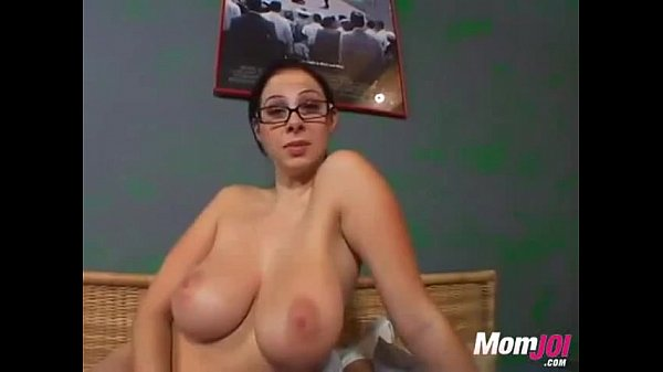 Big Titted Gianna Michaels gives a hard handjob...