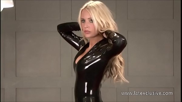 Sexy softcore model Alessandras latex fetish an...