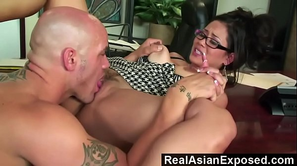 Jessica Bangkok is the Best Secretary EVER! - camstripgirls.com