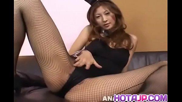 Chihiro Hara shows off impressive pussy masturb...